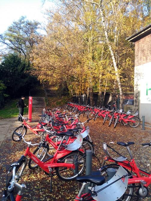 Estación de bicicletas cercana al Fishmark