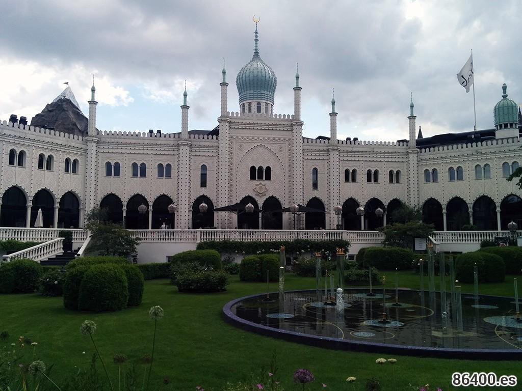 Tivoli y Blue Planet, dos atracciones míticas en Copenhagen