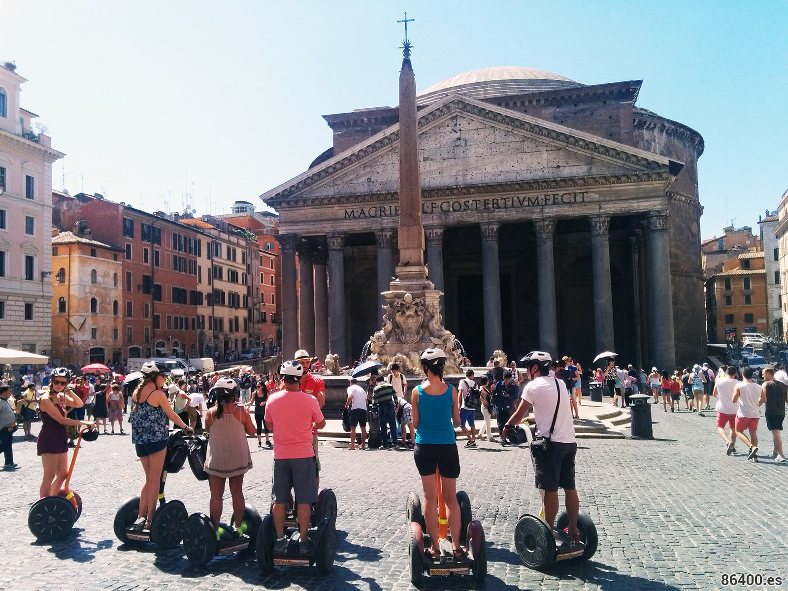 Con Rome by Segway frente al Pantheon de Agripa de Roma