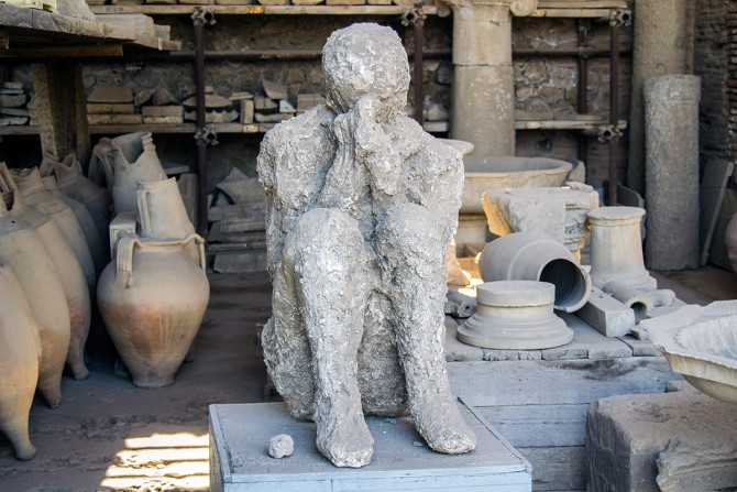 Hombre petrificado en Pompeya