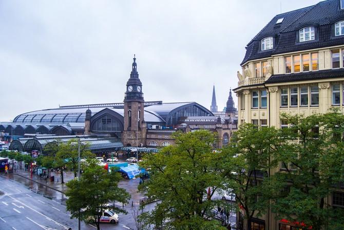 Vistas de central station desde habitación del Hotel Reichshof Hamburgo