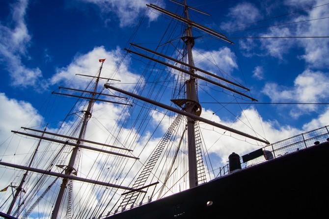 Paseos un barco por el puerto y por el Speicherstadt Hamburgo