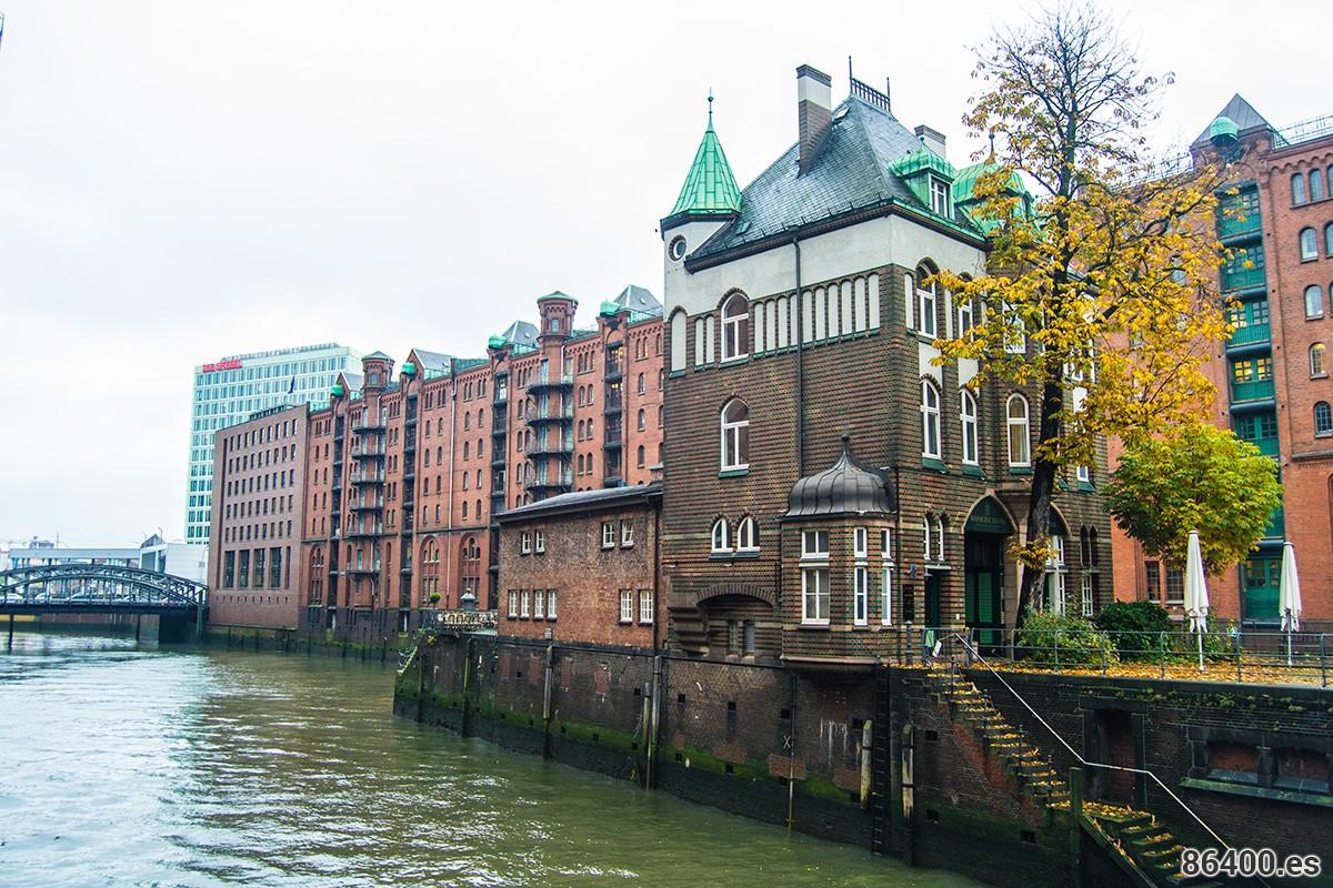 Antigua casa de las aguas Speicherstadt Hamburgo