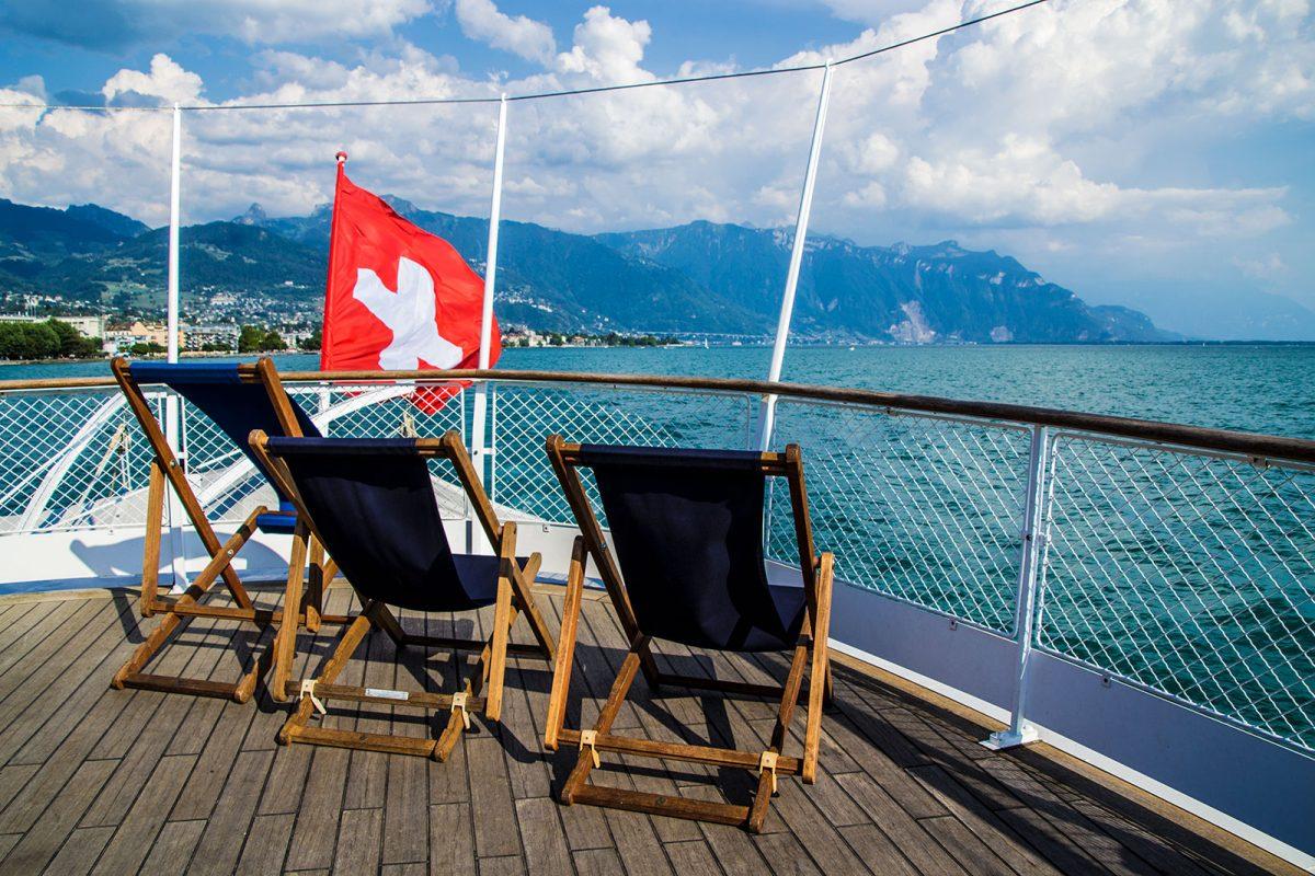 Asientos de primera clase en el crucero por el lago Leman - Montreux la joya del lago Lemán