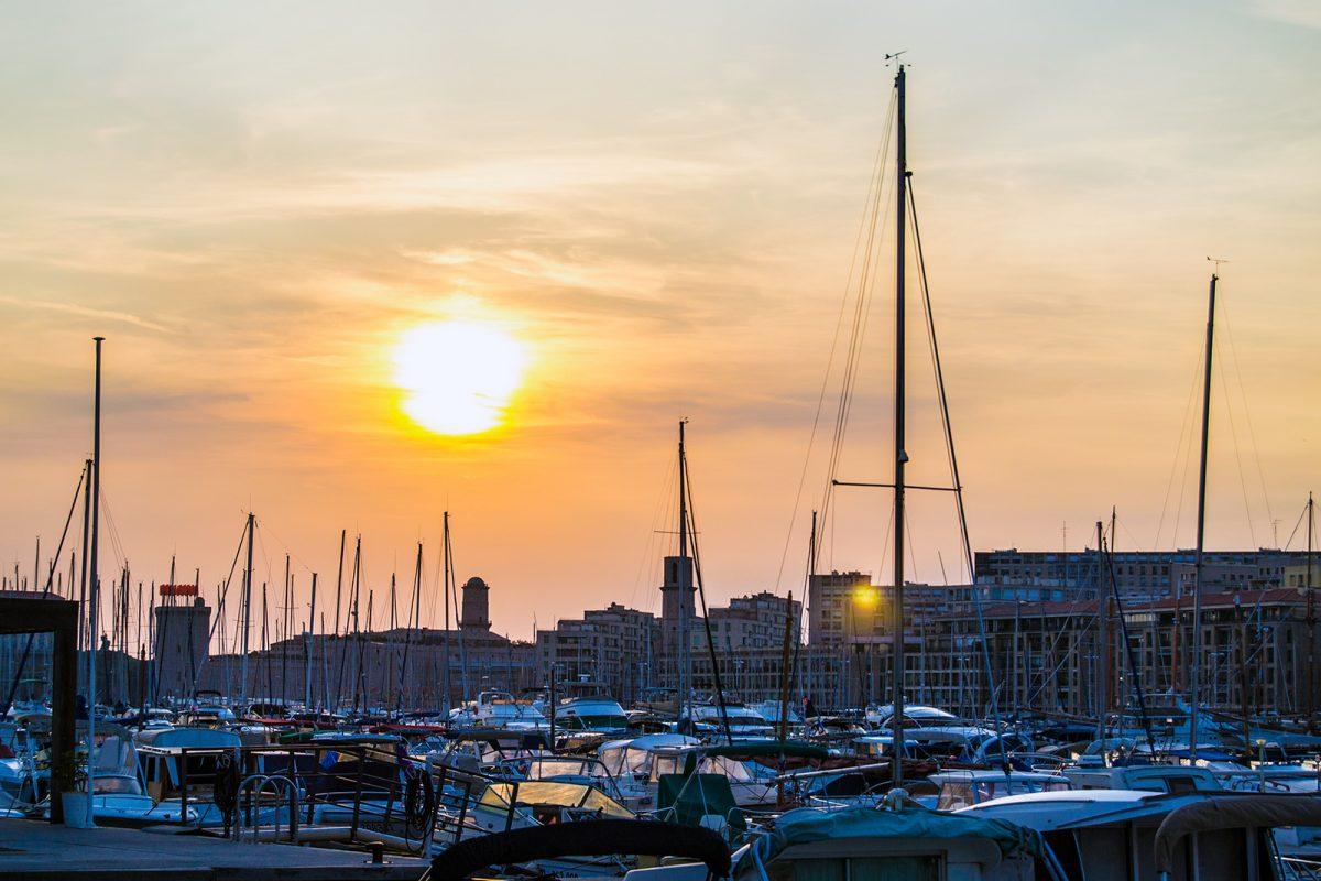 Atardecer en el puerto de Marsella