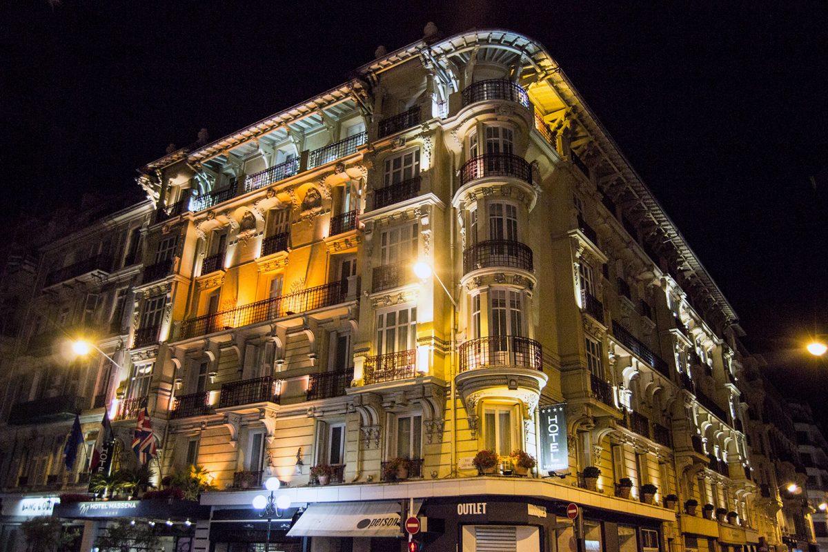Best Western Plus Hotel Massena Nice de noche - una tarde en Montecarlo
