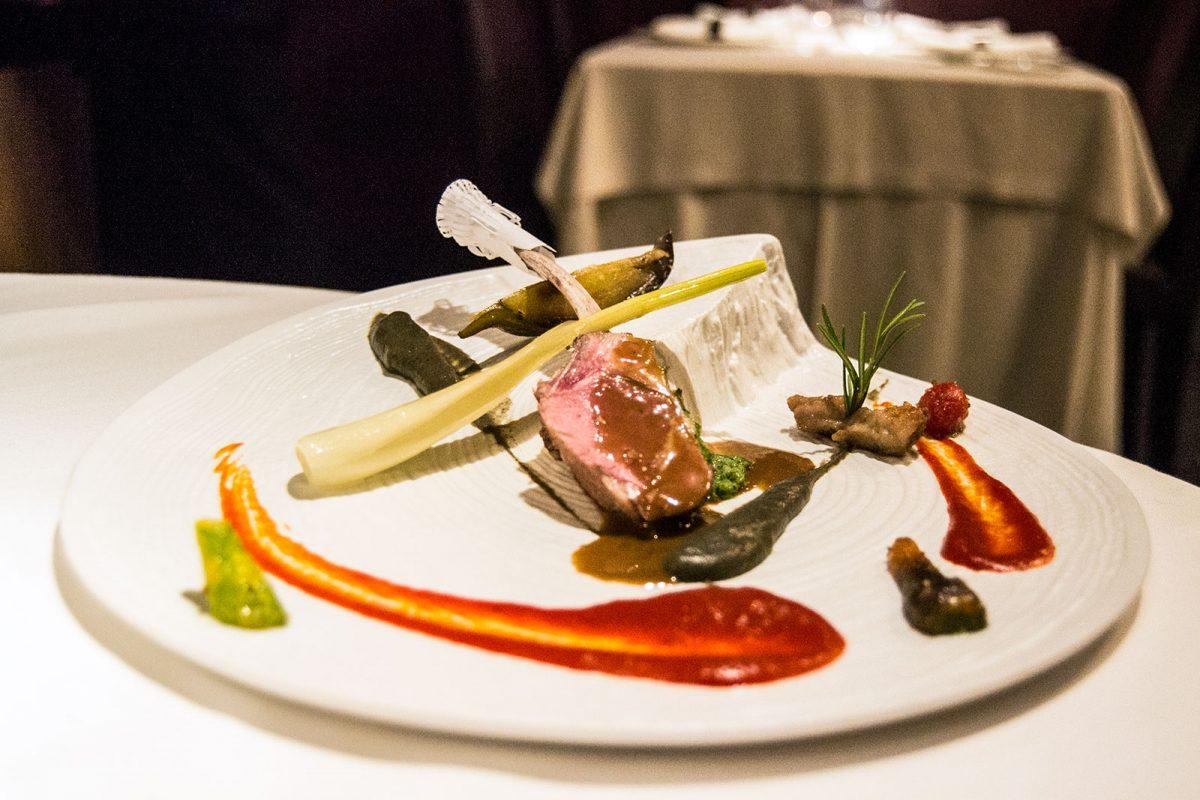 Carne de cordero con costra de hierbas de montaña - Restaurante Nectari Barcelona