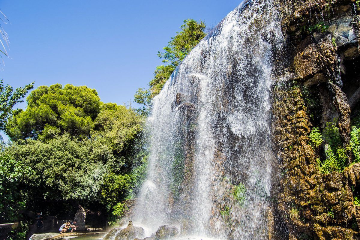 Cascada natural - un día en Niza y Montecarlo