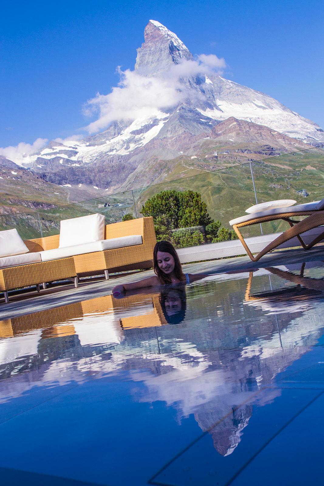 Cervino reflejado en el SPA del Riffelalp Resort 2222m – Zermatt en dos días
