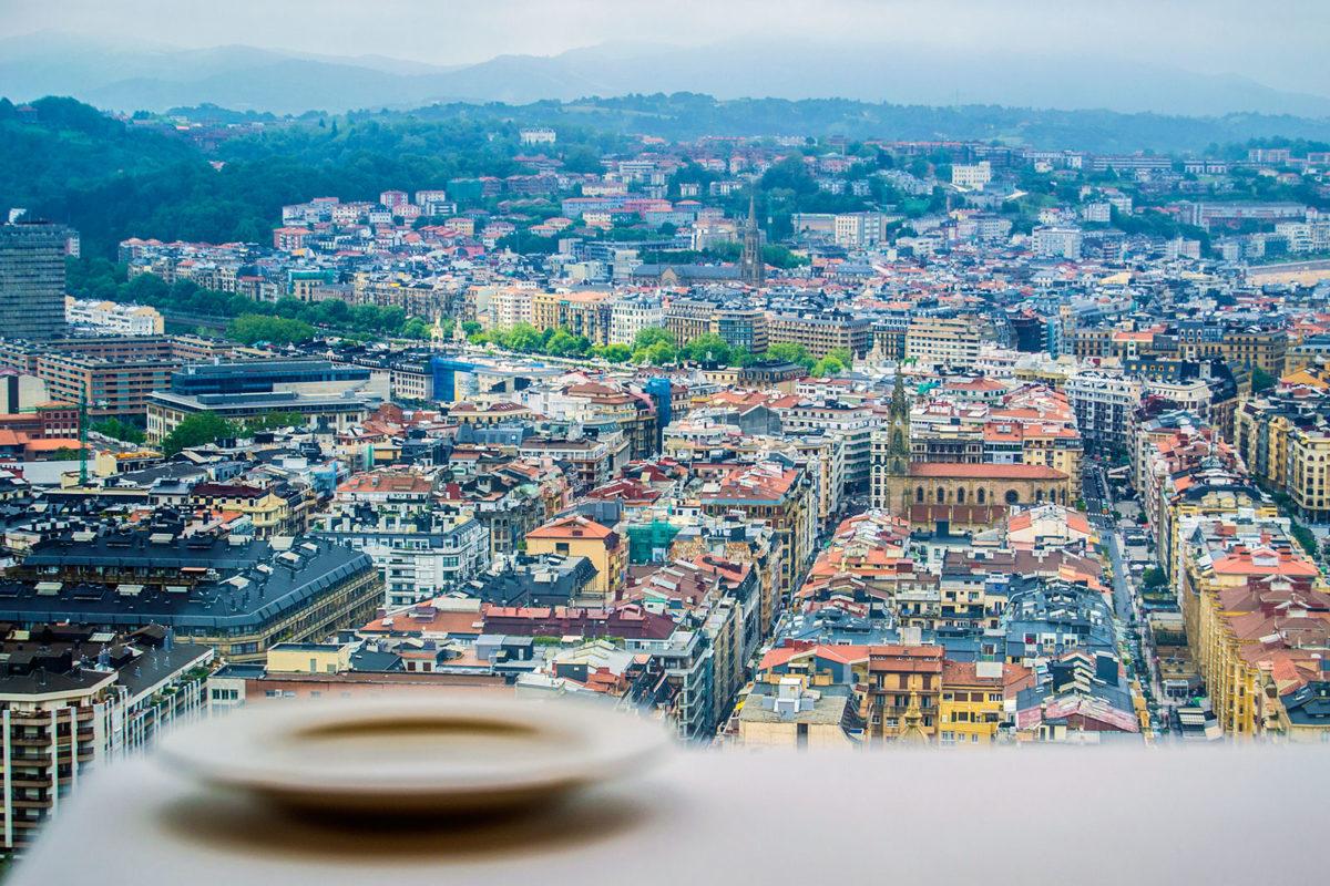 Comer en el Mirador de Ulía con estas vistas de San Sebastián - Sabores de Donostia