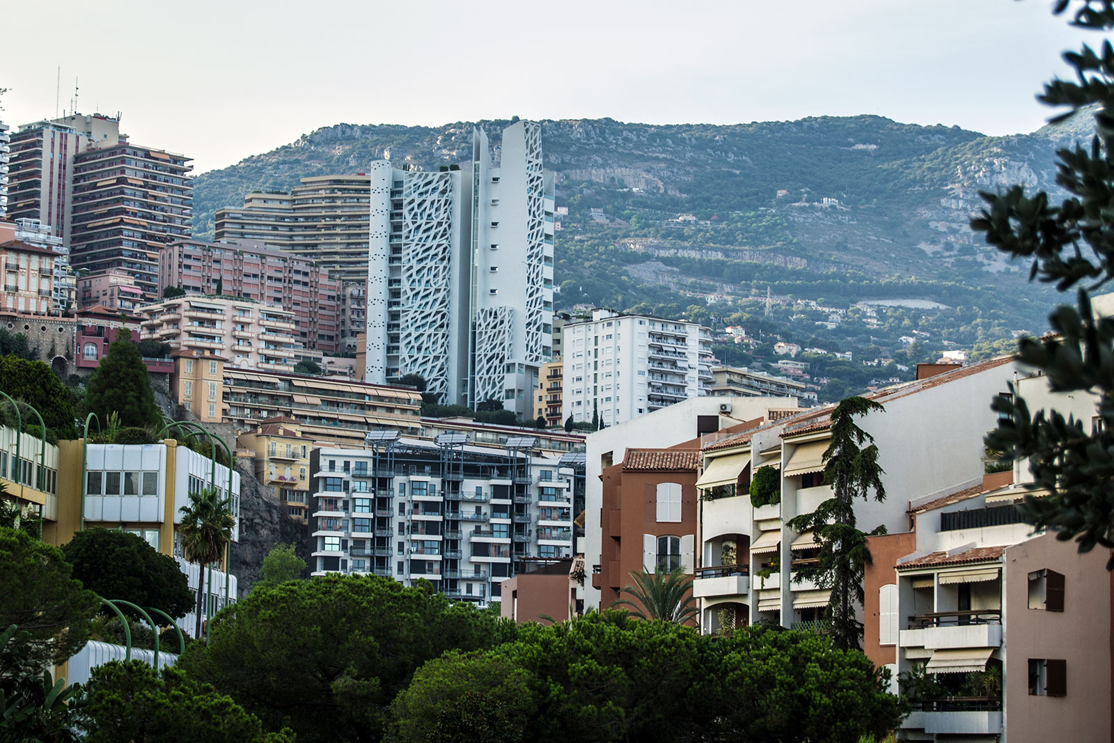 Construcciones en Montecarlo - una tarde en Montecarlo