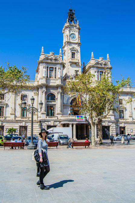Plaza del ayuntamiento de Valencia - Un día en Valencia