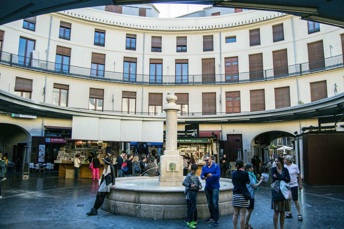 Plaza redonda o Clot - Un día en Valencia