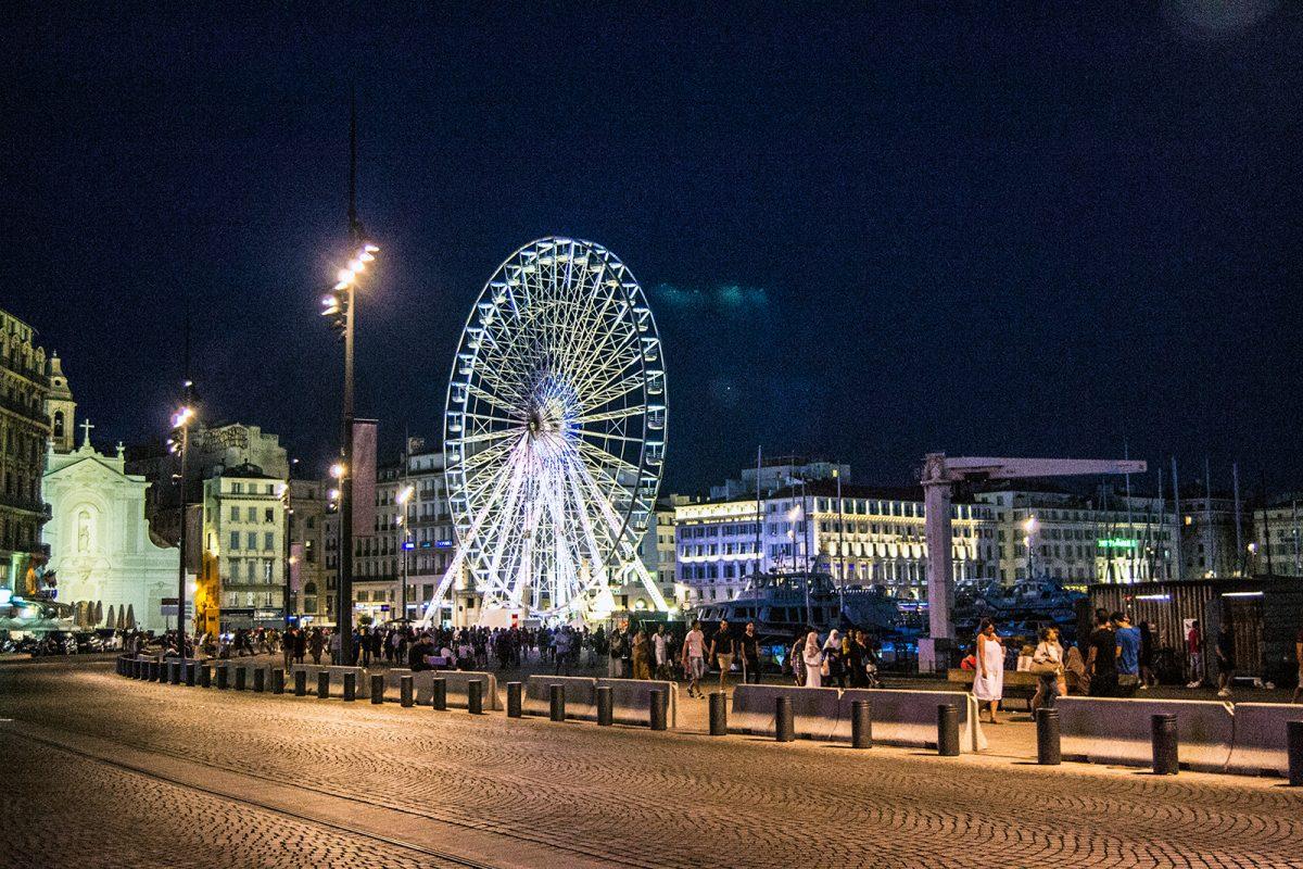 De noche en el puerto de Marsella