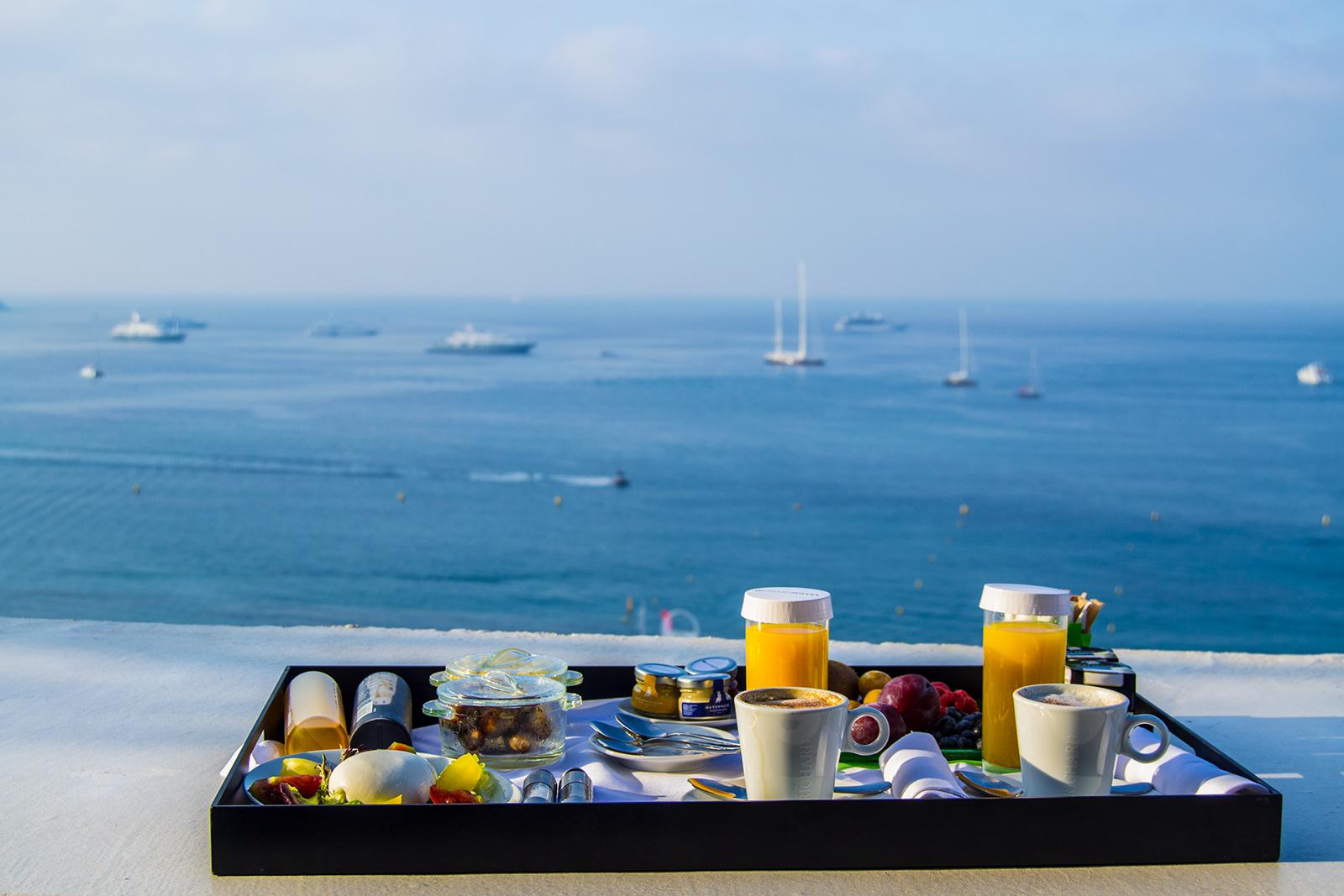 Desayunar con vistas a la playa de Cannes