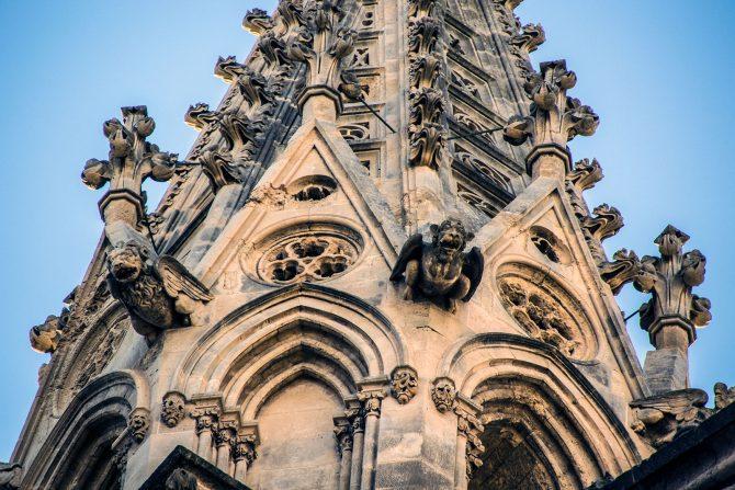 Detalles torres catedral de Mallorca