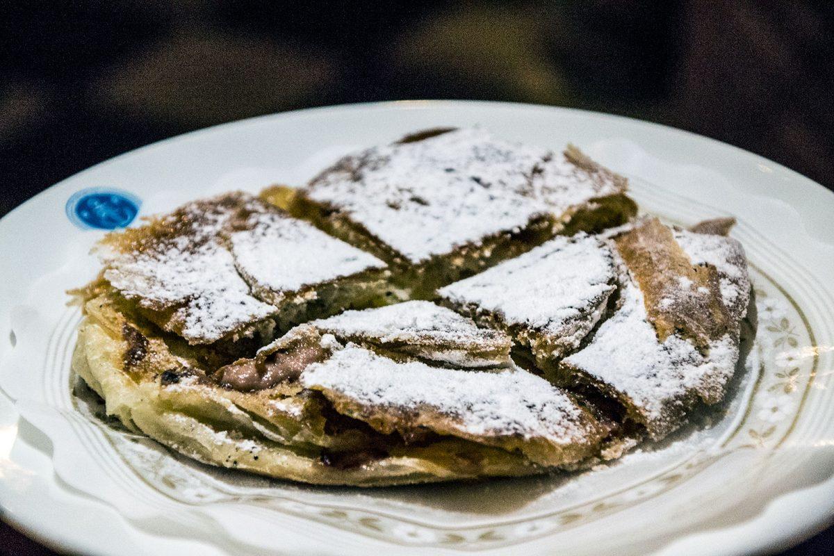 Ensaimada a la plancha rellena de foia y de fruta de temporada - Restaurantes Mallorca