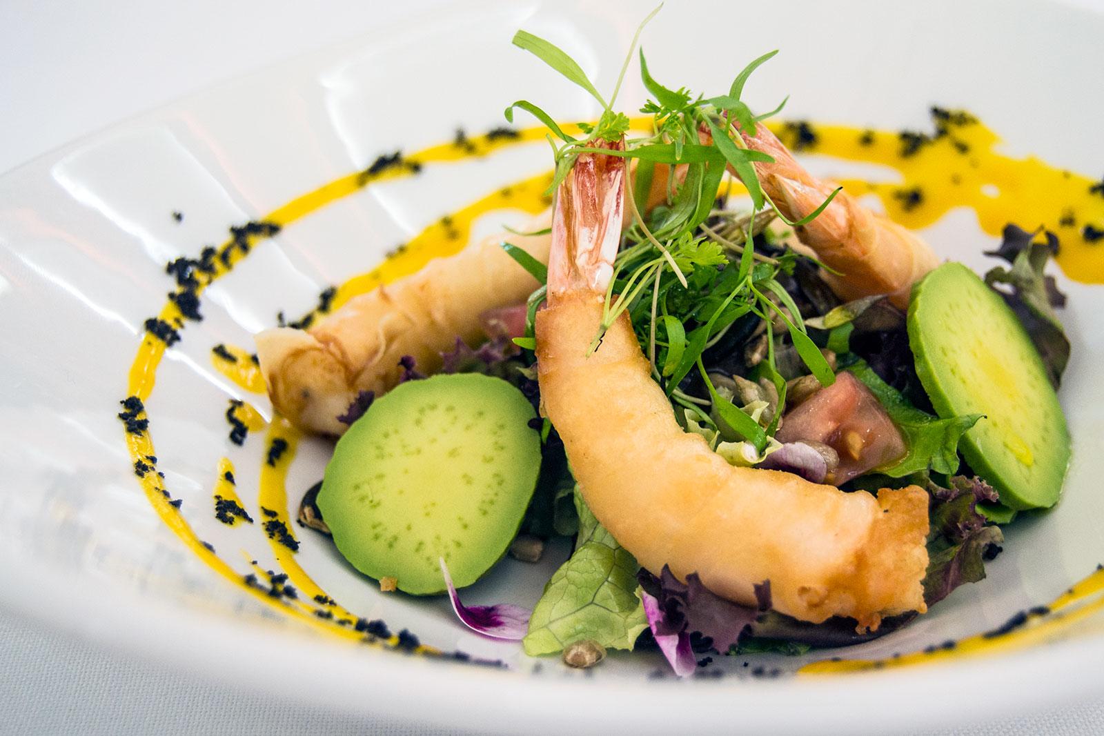 Ensalada templada de langostinos con semillas - Restaurante Kaskazuri