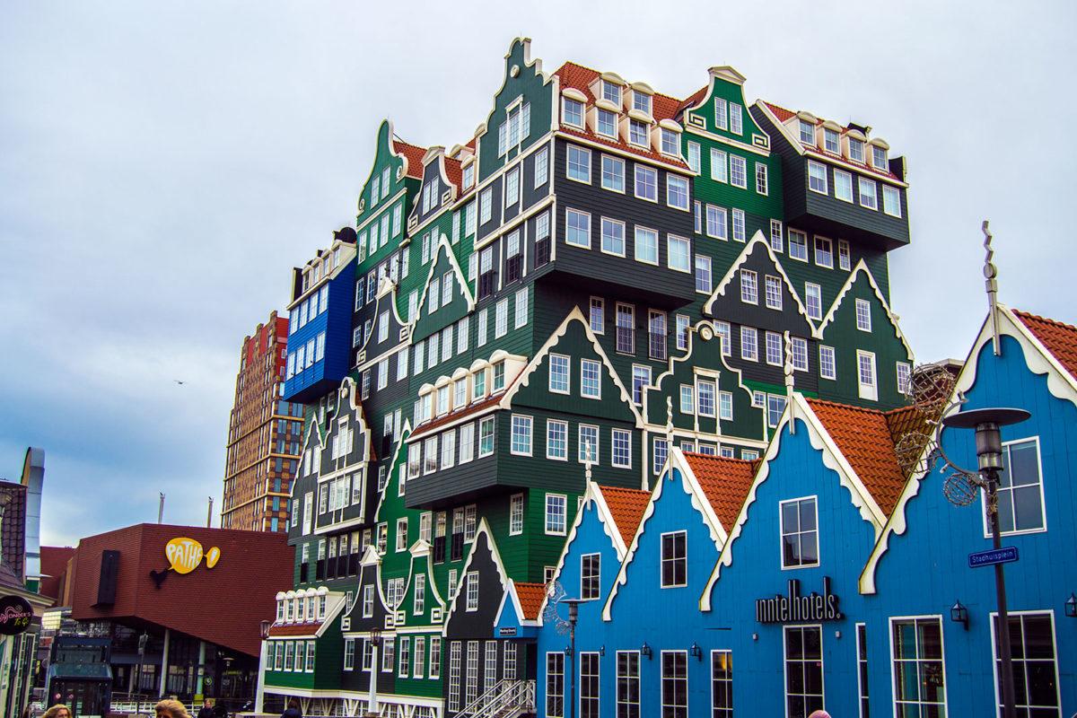 El hotel más colorido y conocido del Zaanse Zaans: Inntel Zaandam