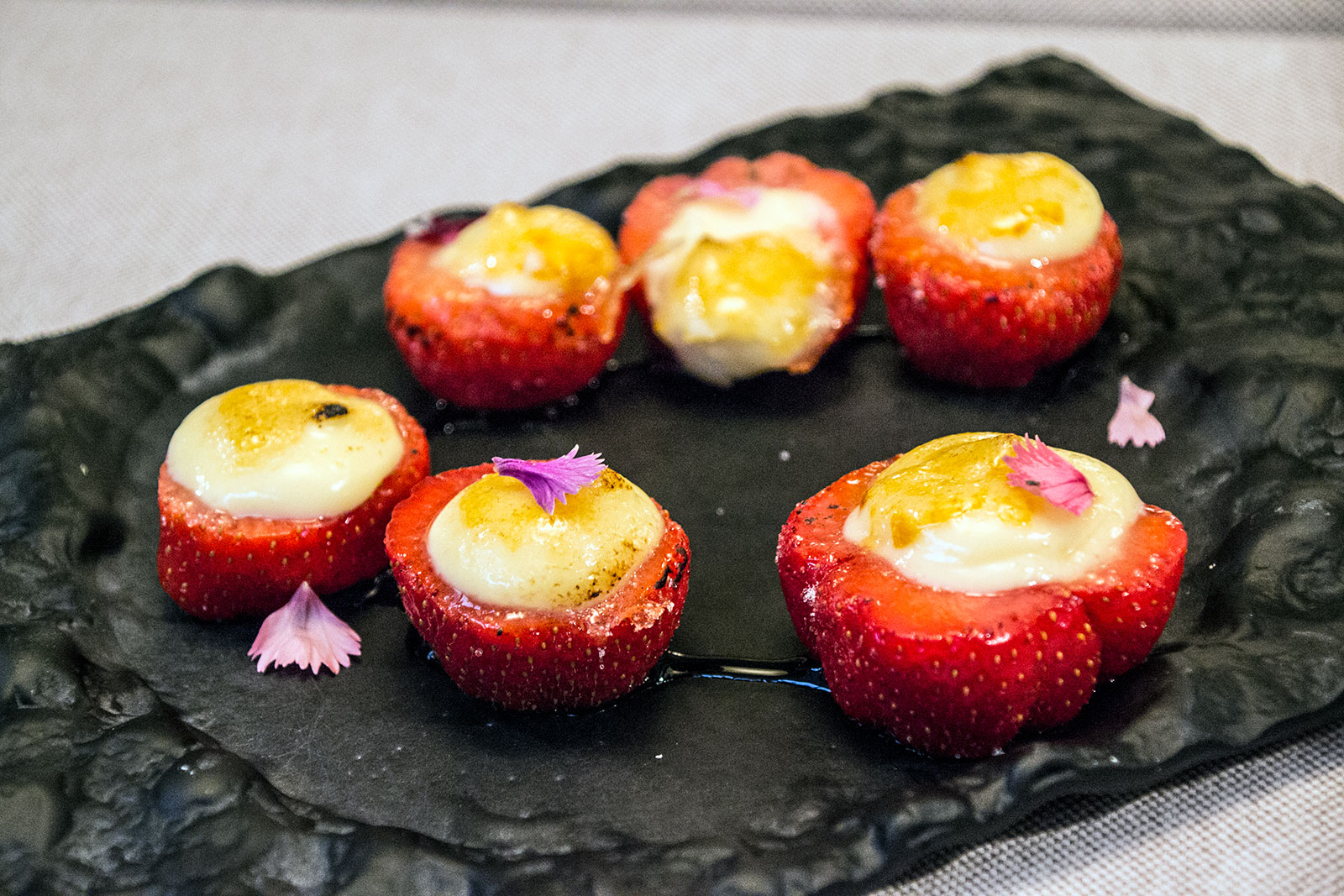 Fresas con crema catalana - Restaurantes Mallorca