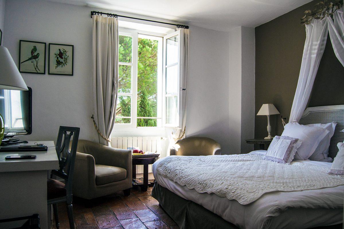 Habitación hotel Mas de Castelas - un día en Saint-Tropez