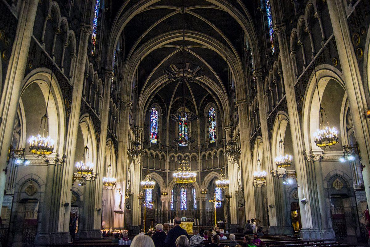 Interior Basílica Santuario de Lourdes