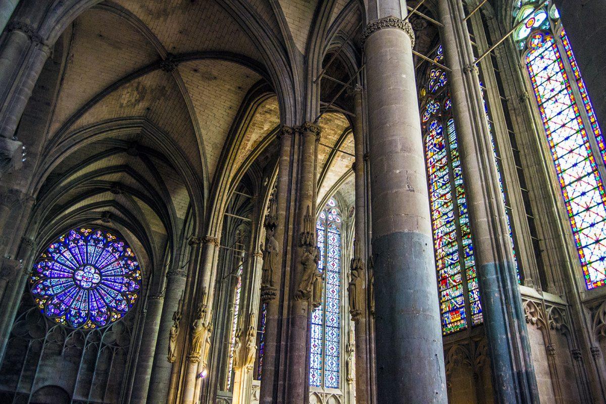 Interior de la Basílica de Saint-Nazaire - que ver en Carcassonne