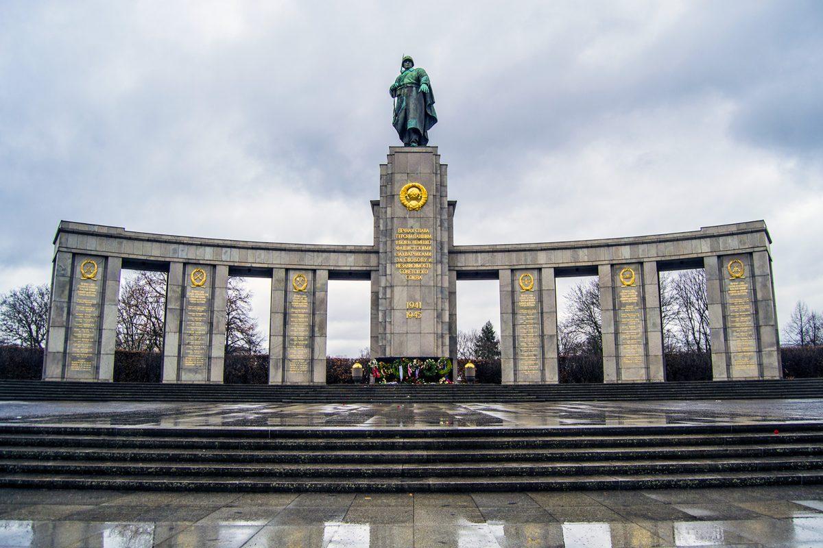 Memorial a los soldados soviéticos - día 1 en berlín