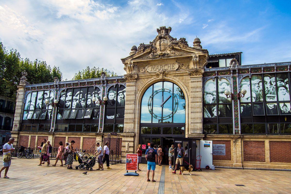 Interior del Mercado de Les Halles - qué ver en Narbona
