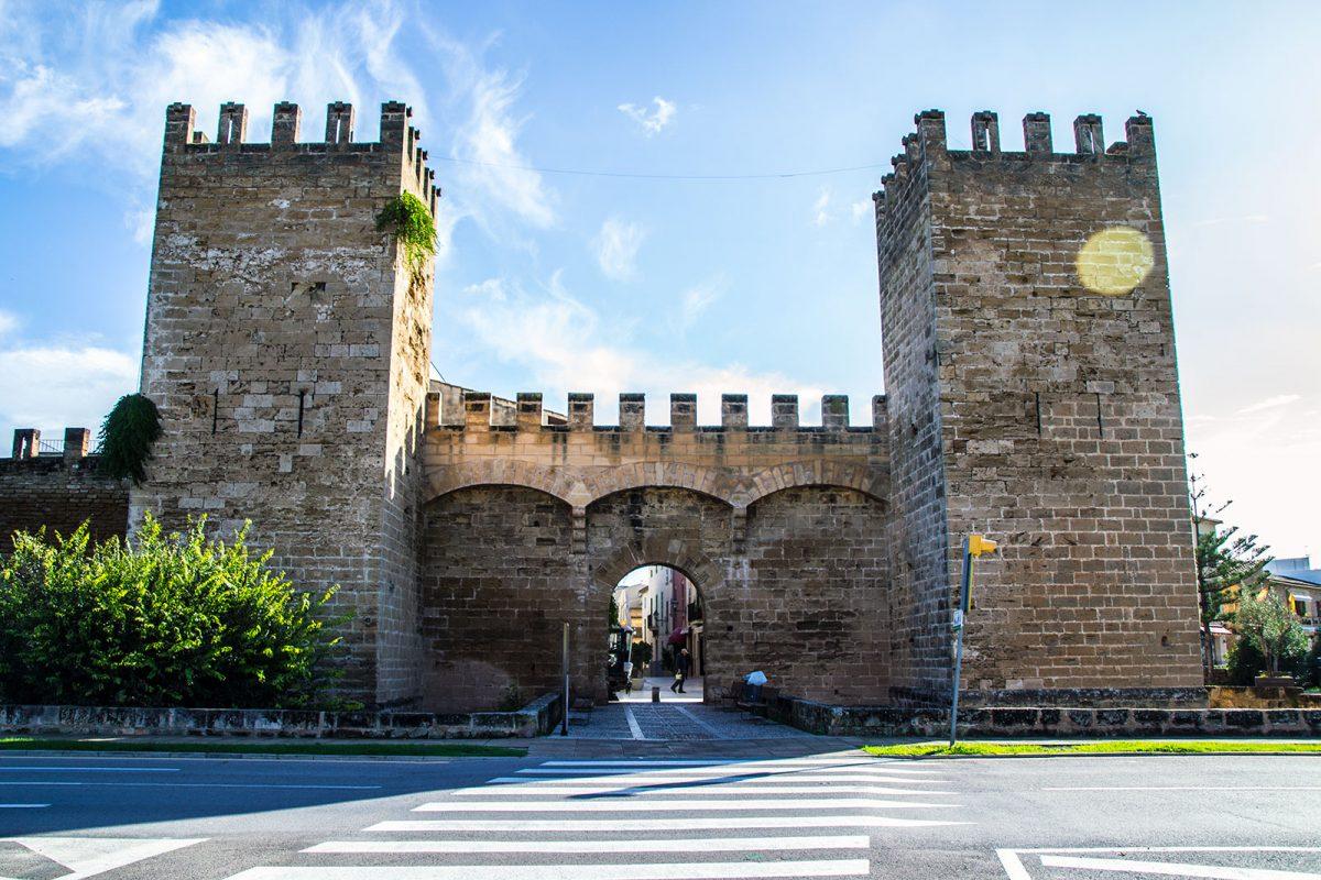 Murallas de Alcudia - Pueblos más bonitos de Mallorca