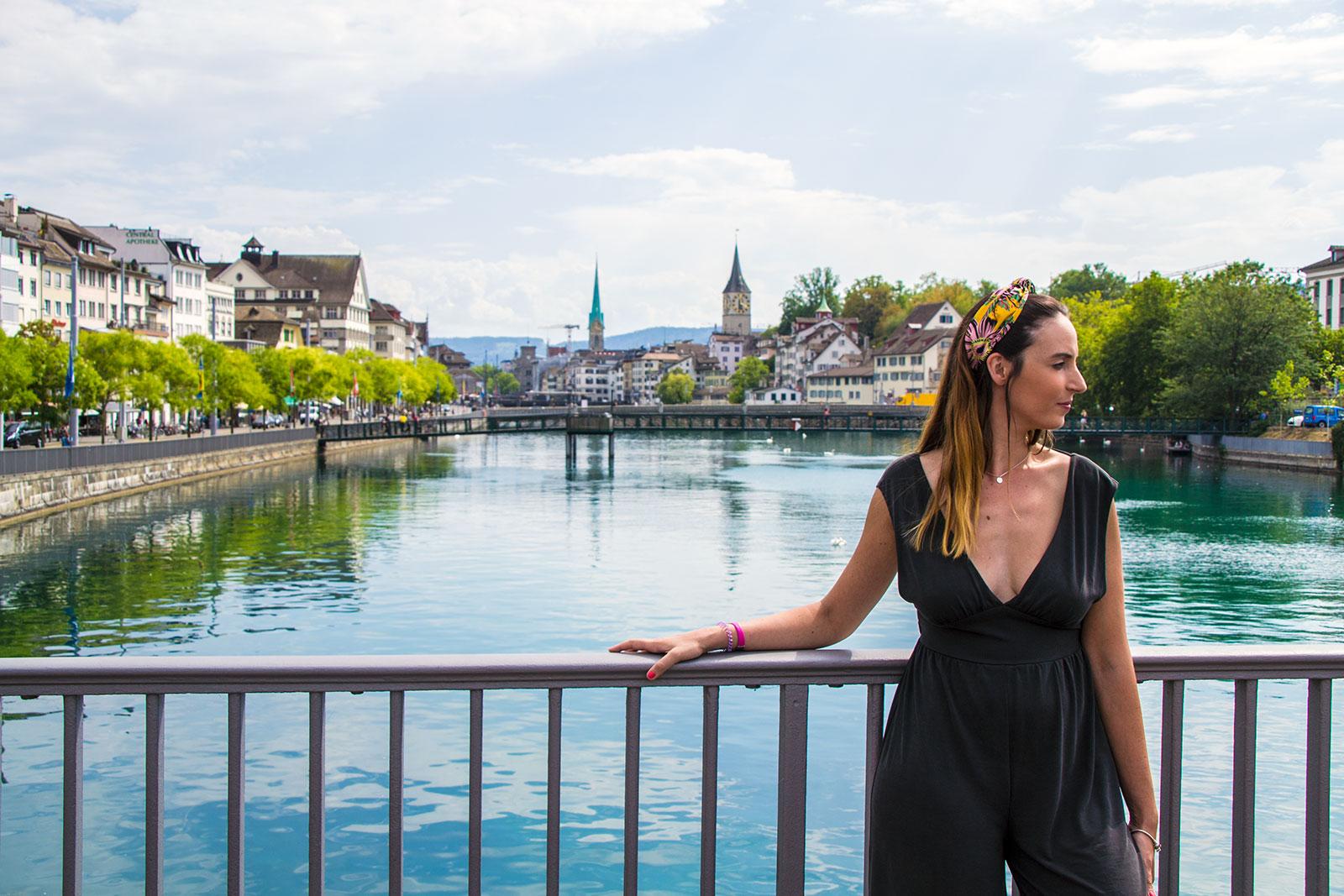 Nerea en el puente de Zúrich