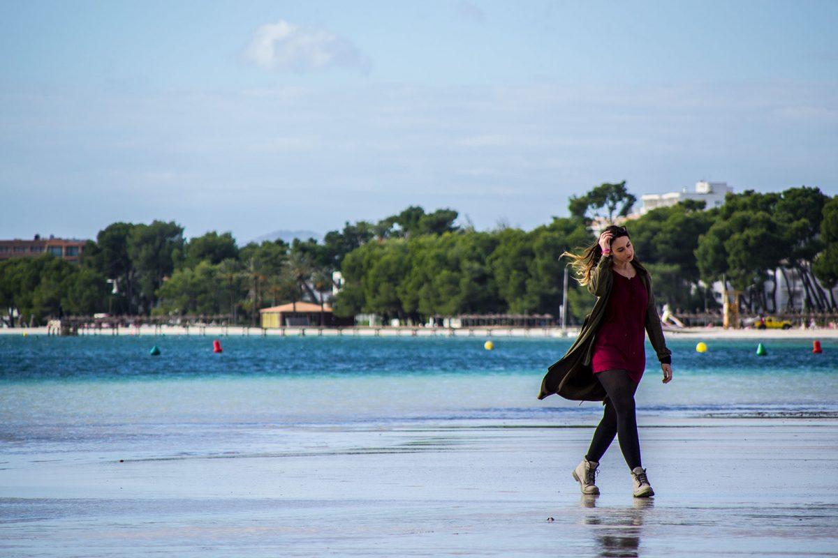 Nerea en el puerto de Pollensa 3 - Pueblos más bonitos de Mallorca