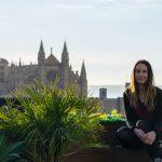 Nerea en la azotea del hotel Nakar - qué ver en Mallorca
