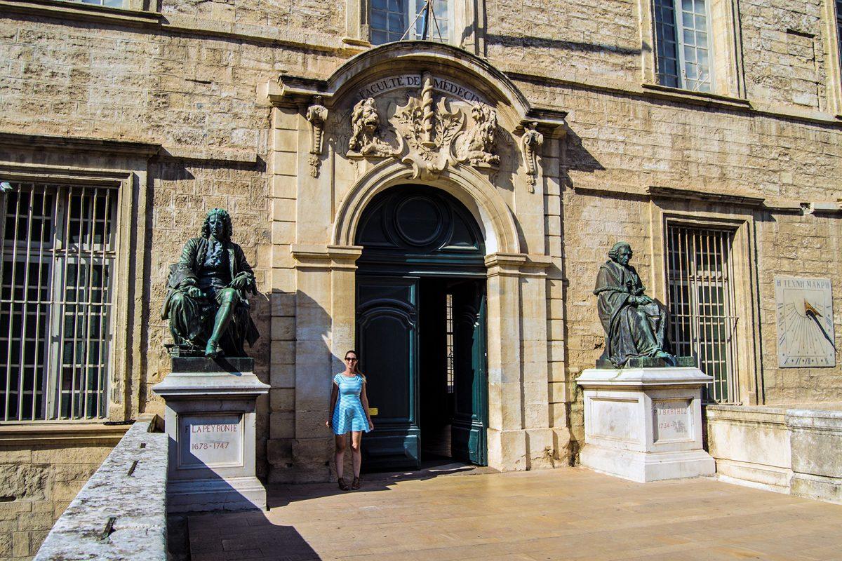 Nerea en la famosa facultad de medicina de Montpellier - qué ver en Montpellier