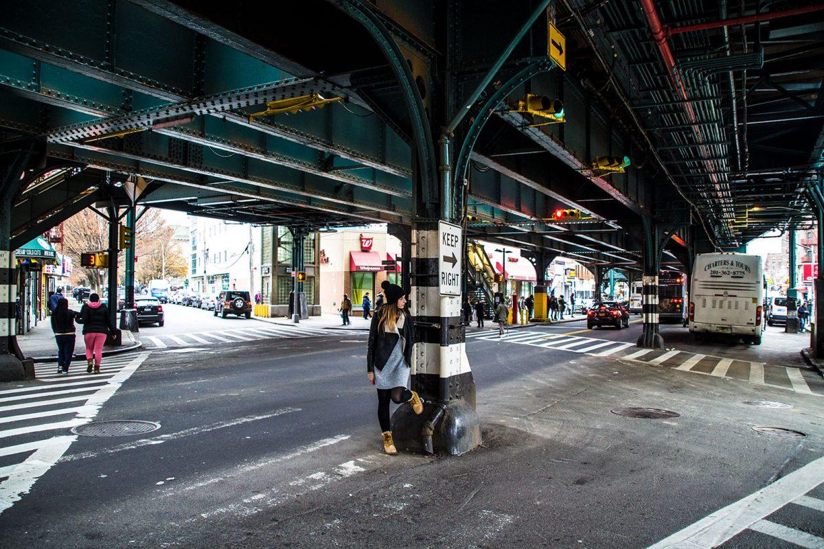 Nerea en las calles del Bronx - excursiones desde Nueva York