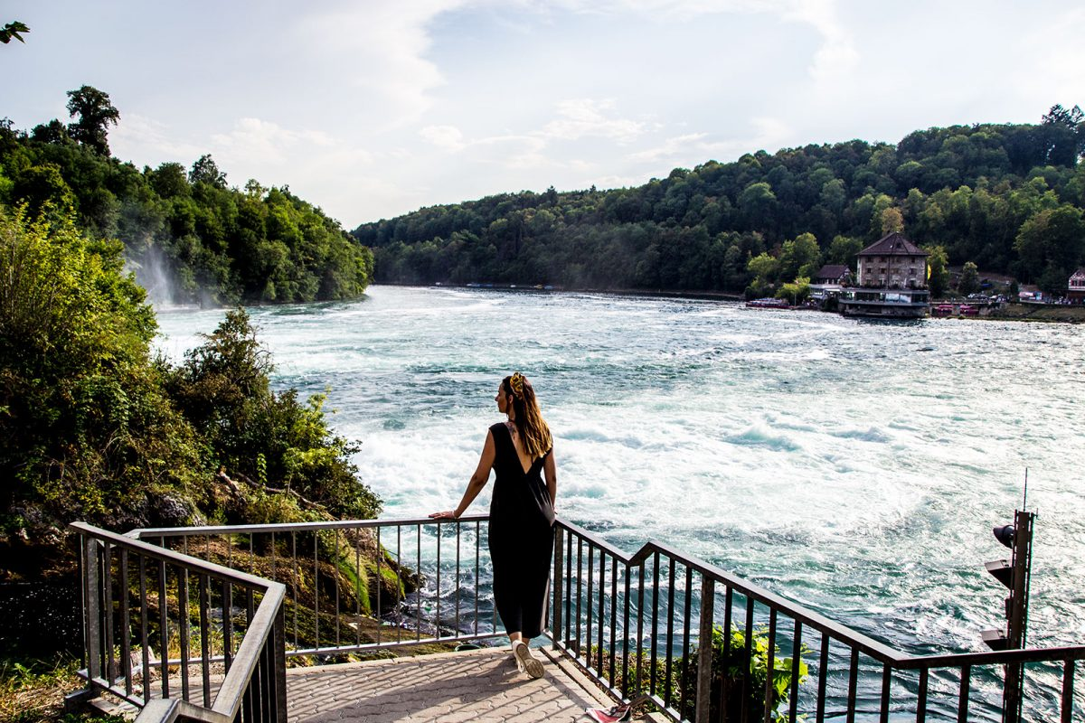 Nerea en las cataratas del Rin - qué ver en Zúrich