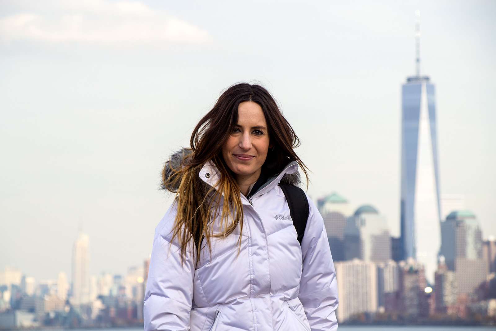 Nerea entre la Freedom Tower y el Empire State Building - Mejores vistas de Manhattan