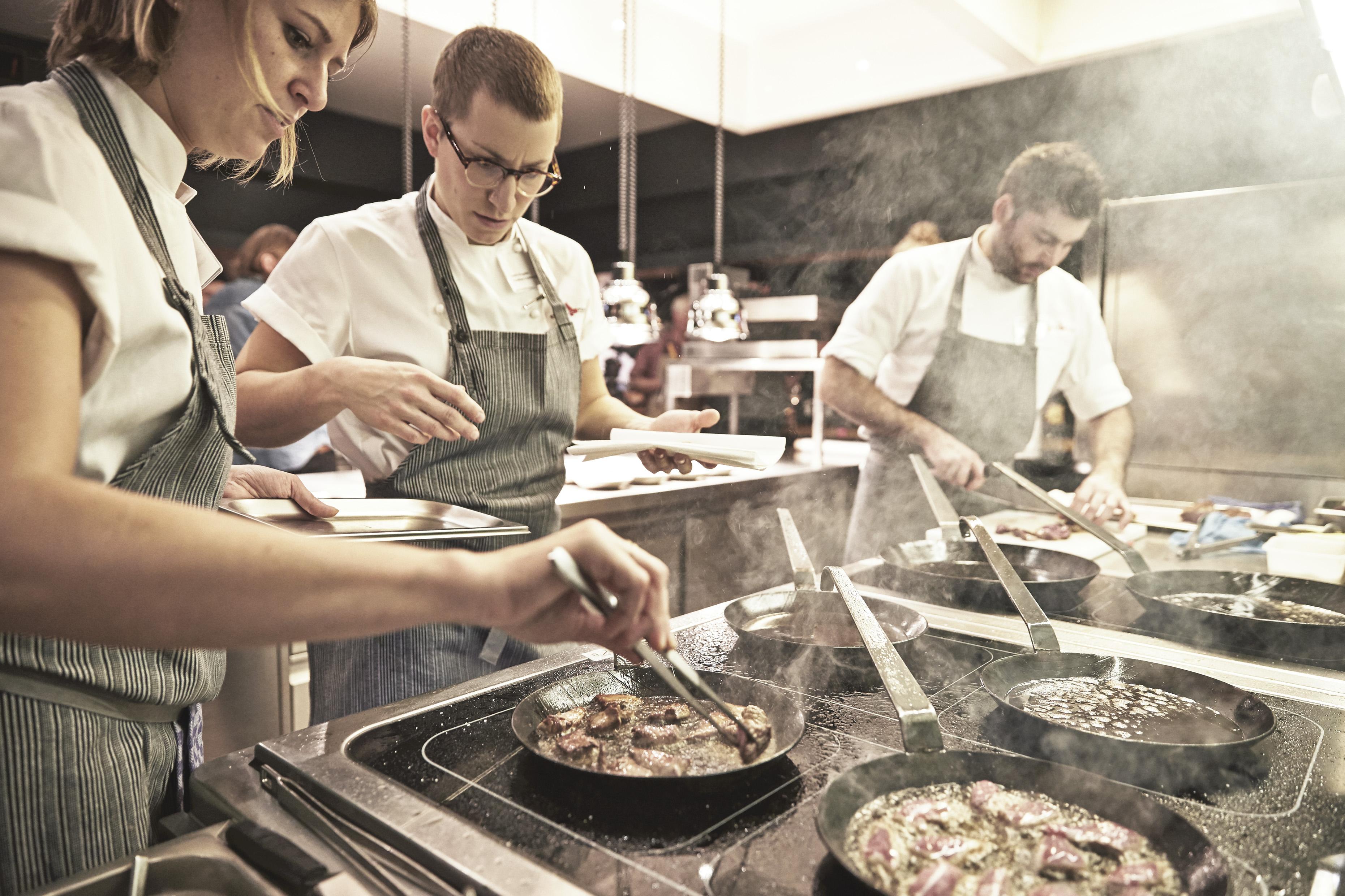 Cocina del restaurante Nobelhart & Shumutzig