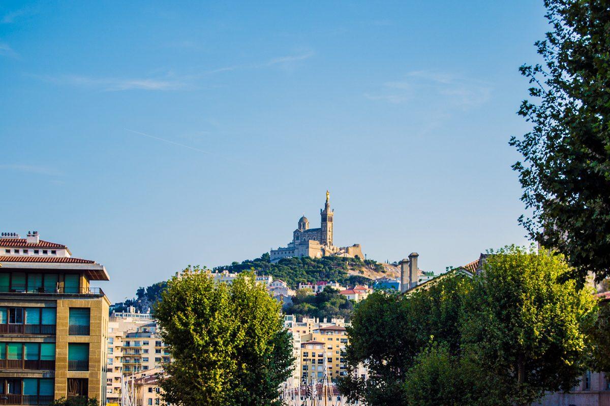 Palacio en una colina