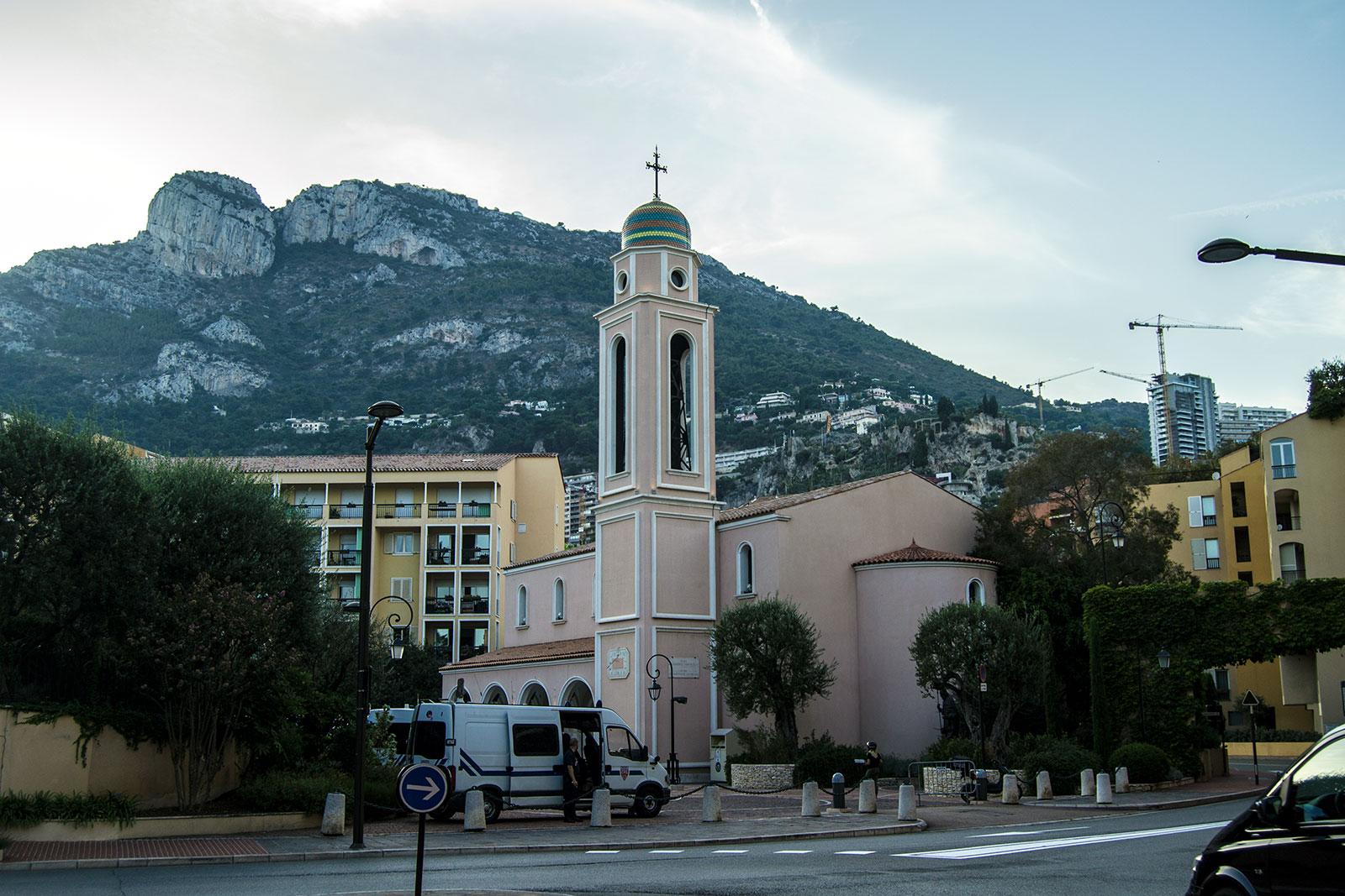 Parroquia de San Nicolás -una tarde en Montecarlo