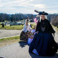 Personas disfrazadas en el Palacio de Sanssouci – día 3 en Berlín