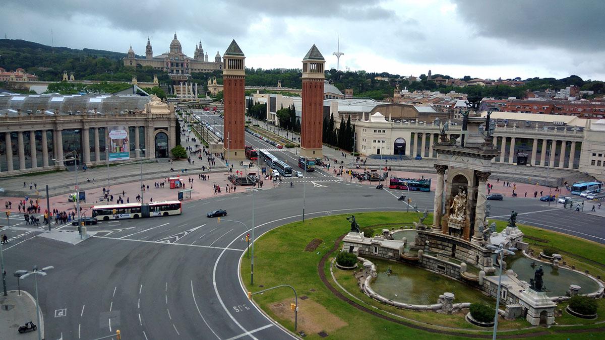 Plaza España hasta Palau Nacional