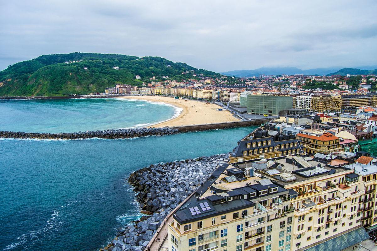 San Sebastián y playa desde el monte Urgull