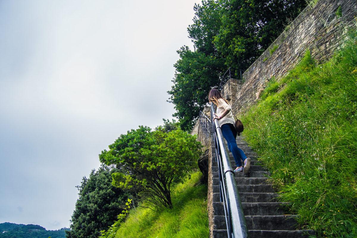 Subida al monte Urgull por el caminito del cura