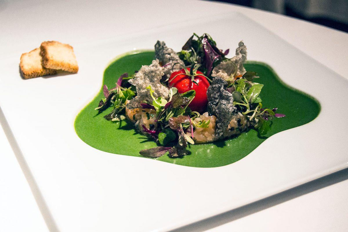 Tartar de trucha, falso tomate y mousse refrescante del huerto - Restaurante Nectari Barcelona