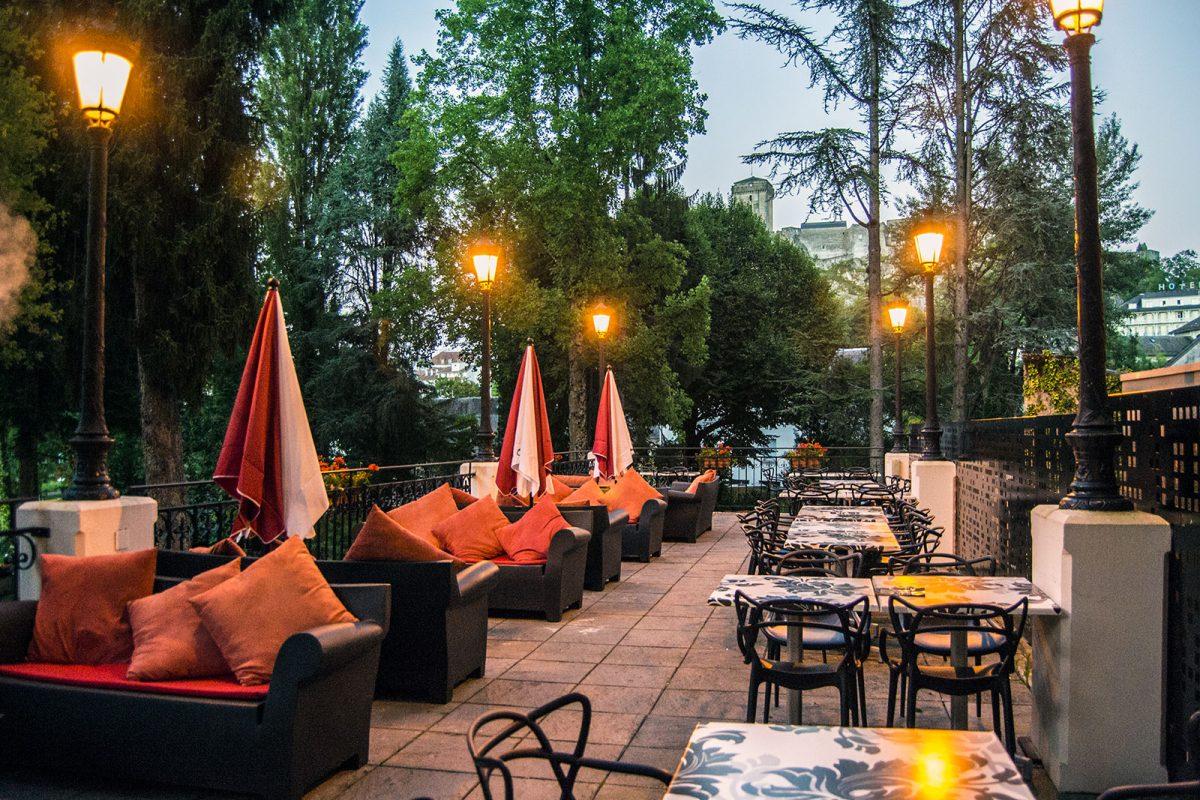 Terraza del Hotel Gallia et Londres de Lourdes