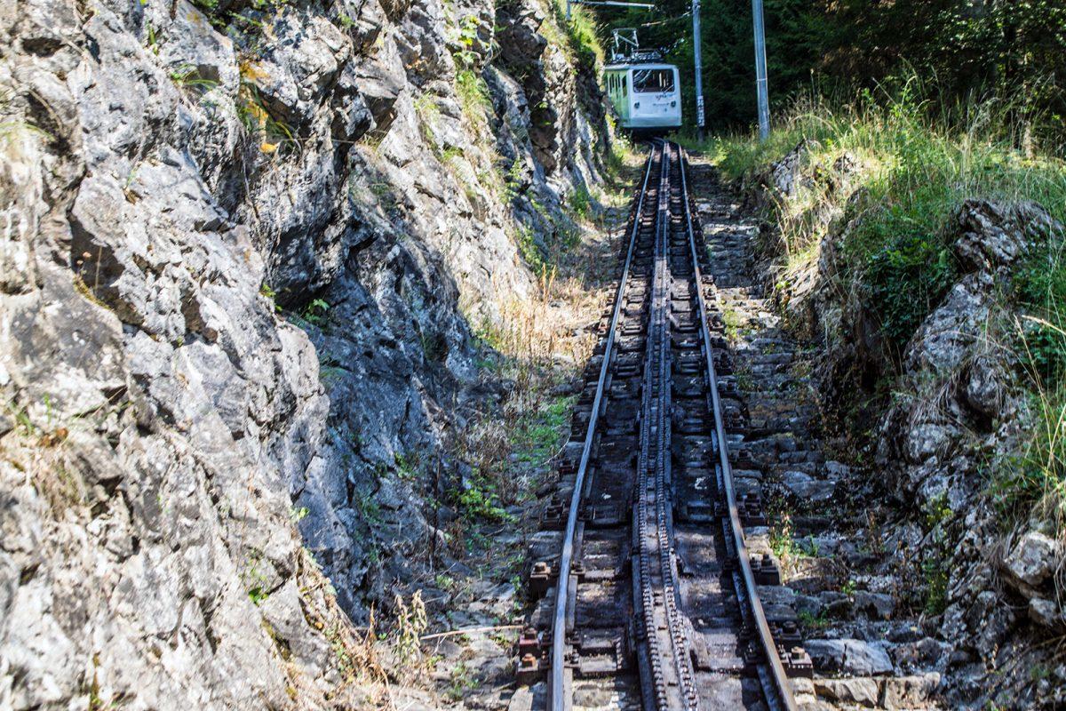 Tren cremallera más empinado del mundo - tren cremallera Monte Pilatus