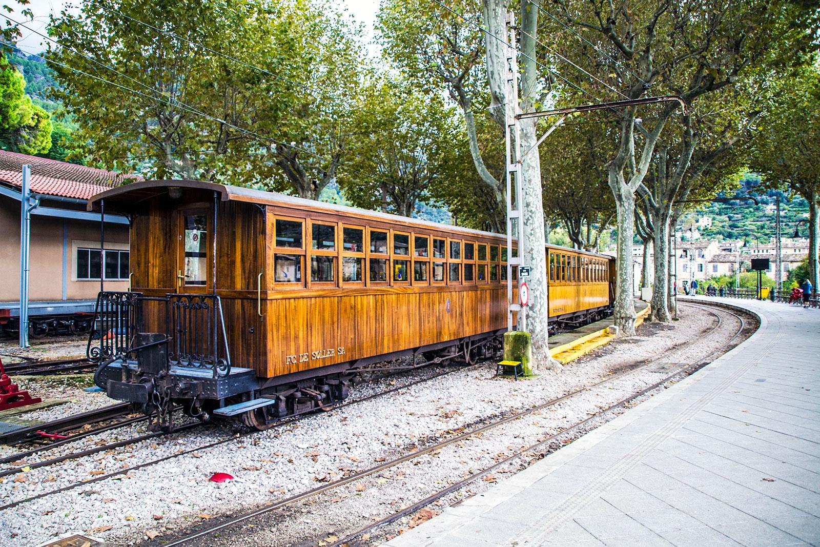 Tren de madera de Sóller - Pueblos de Mallorca
