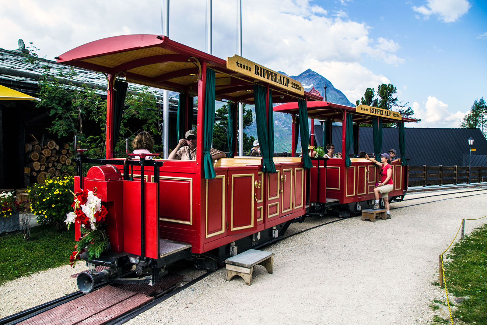 Tren del hotel Riffelalp 2222m – Zermatt en dos días