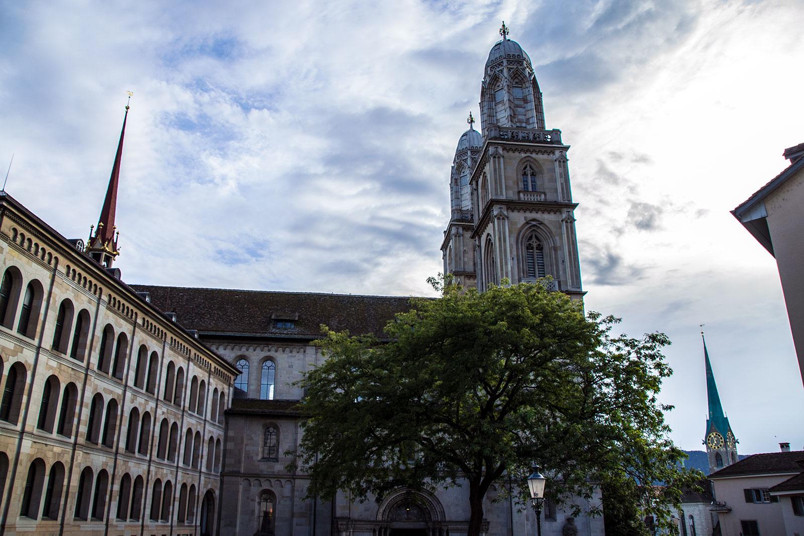 Vistas de Grossmünster - qué ver en Zúrich